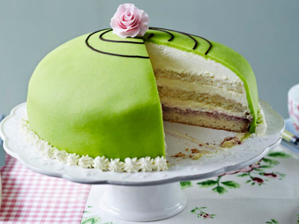 Smorrebrod Princess Cake (prinsesstårta in Swedish)