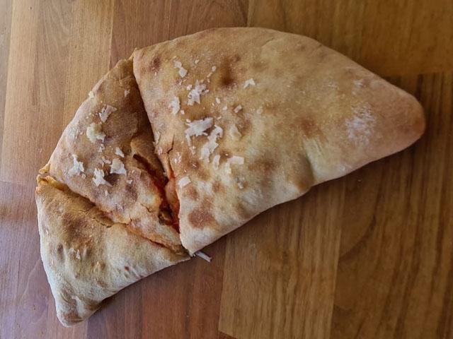 Smorrebrod Pizza Calzone (In-Baked)